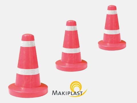 Plots ou cônes de signalisation routière en plastique